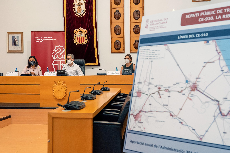 La Conselleria de Obras Públicas y Movilidad pone en marcha el servicio de autobús la Ribera Baixa-Algemesí-Alzira