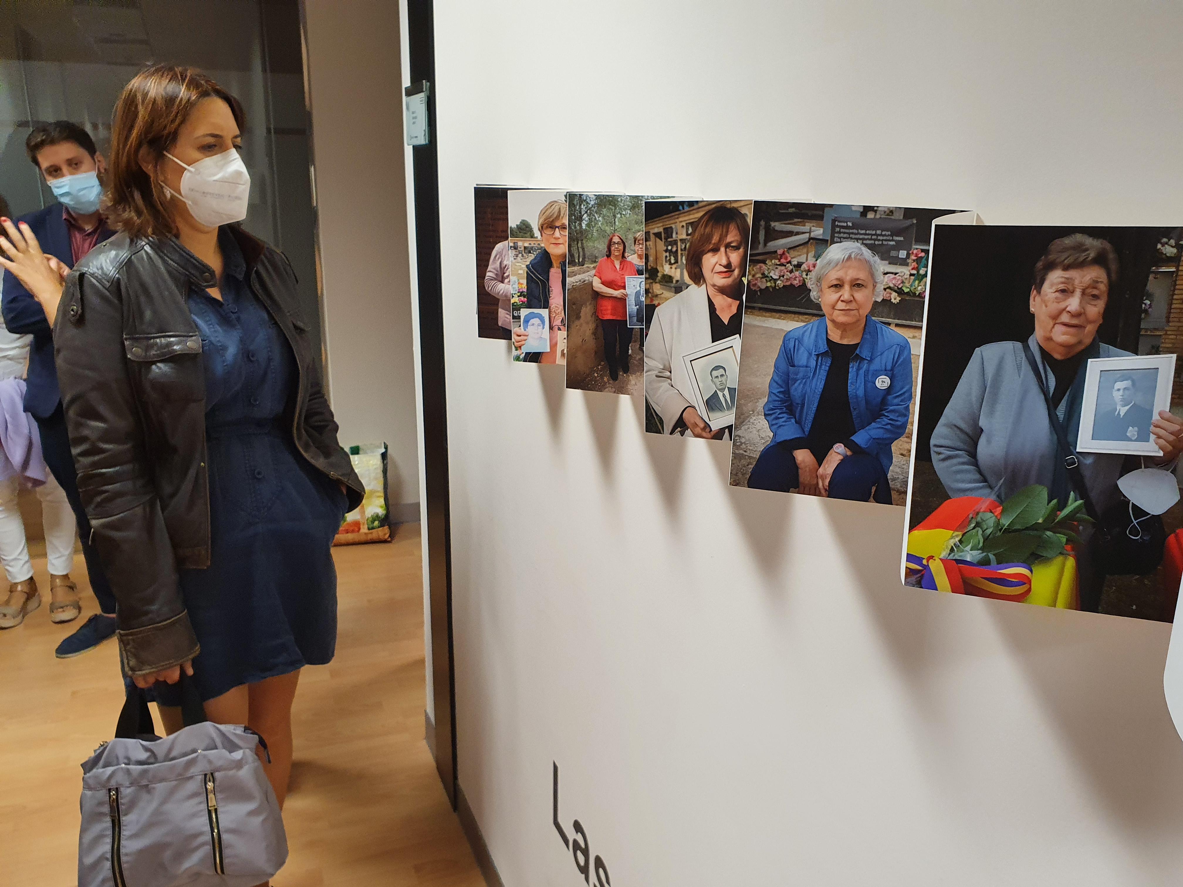 """Pérez Garijo visita l""""exposició """"Paterna: la memòria de l""""horror"""" a Castelló de la Plana"""
