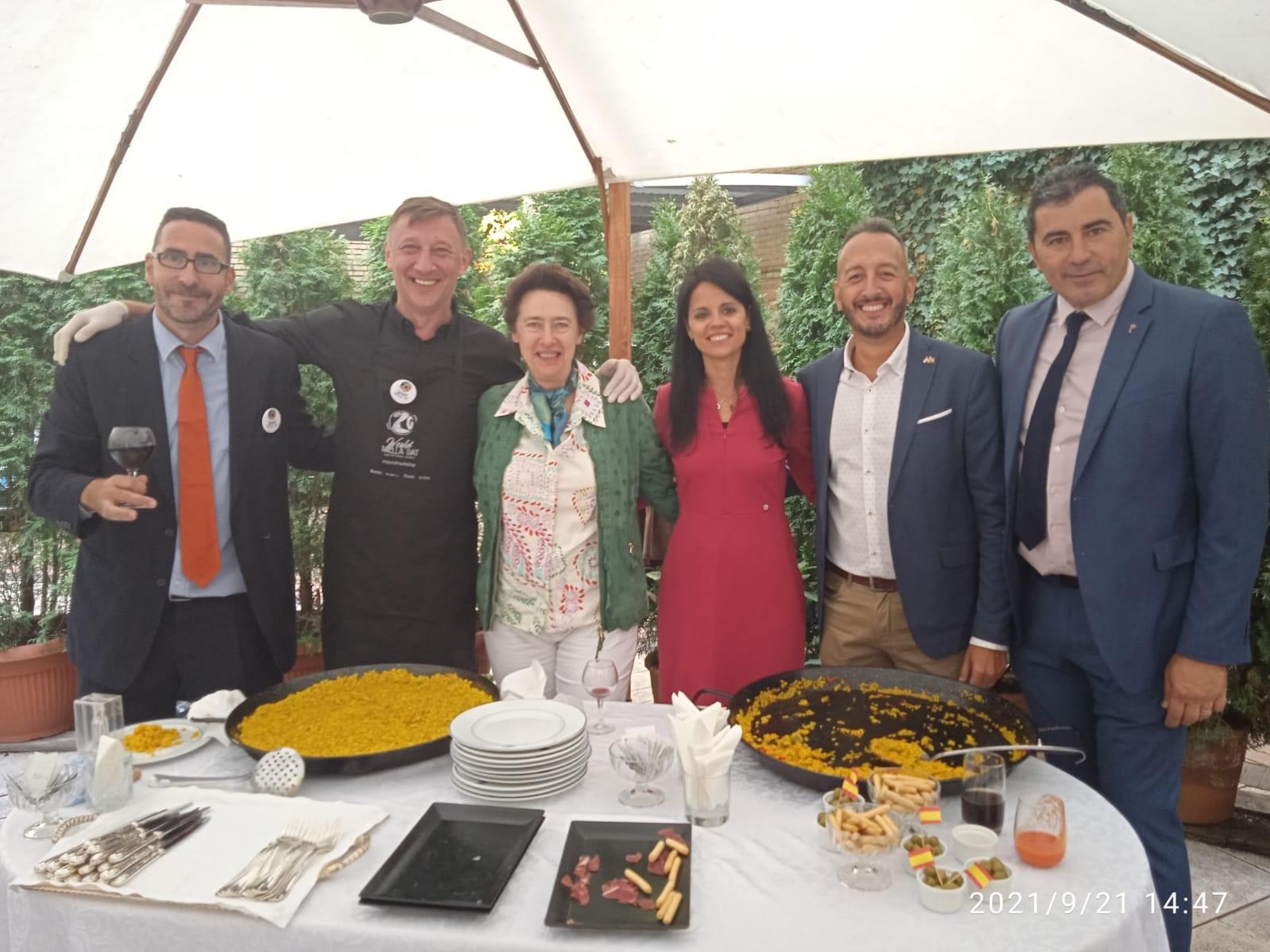 Turisme promociona la oferta gastronómica y turística de la Comunitat Valenciana en Hungría ante agentes de viajes, turoperadores y medios de comu...