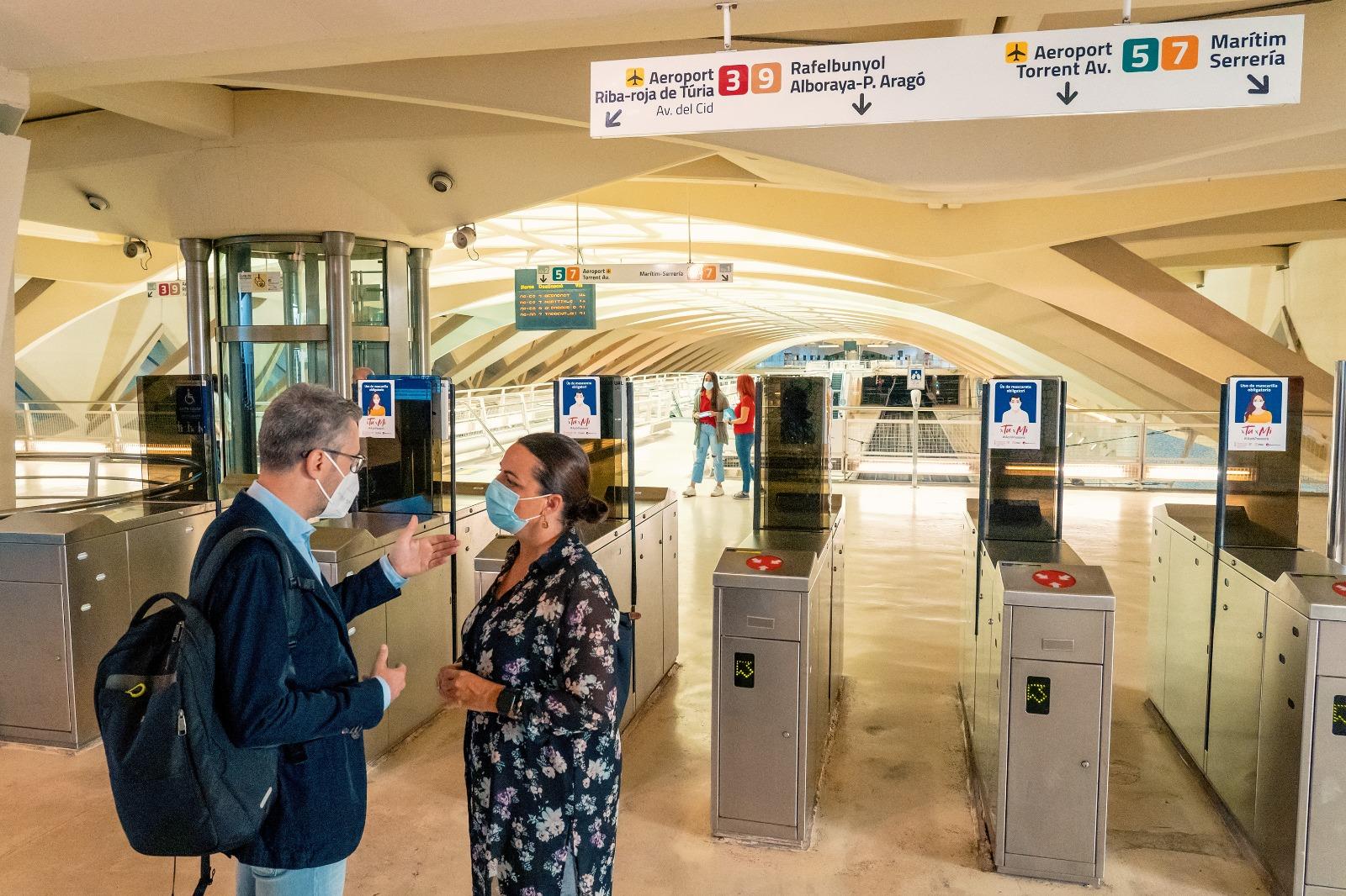 Arcadi España destaca la importancia de utilizar el transporte público y racionalizar el uso del vehículo privado