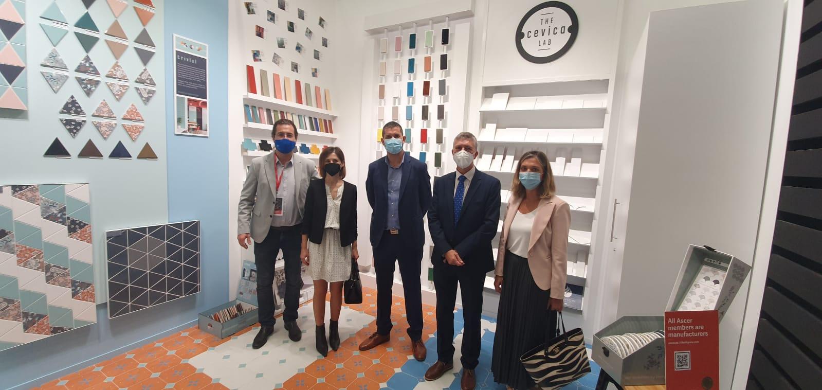 Climent se desplaza a Bolonia para apoyar a las empresas del clúster cerámico presentes en la feria internacional Cersaie