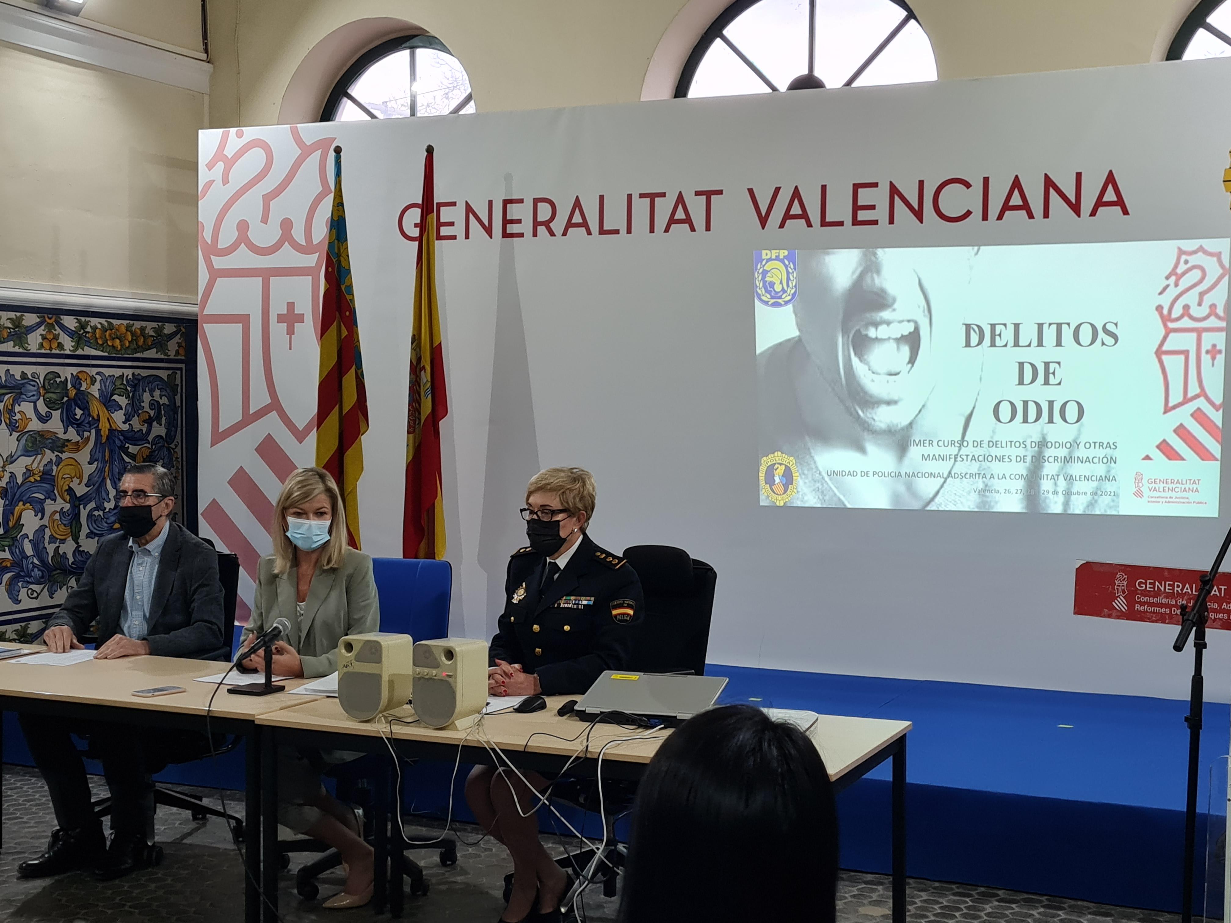 """Gabriela Bravo destaca """"la grave amenaza para la democracia"""" que suponen los delitos de odio"""